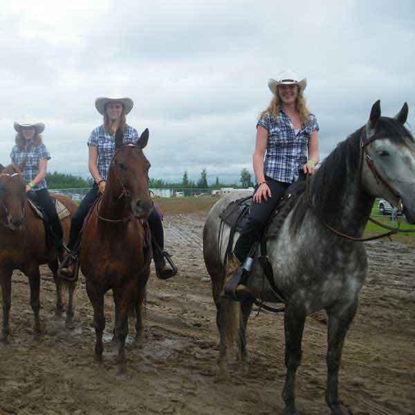 3 Cowgirls
