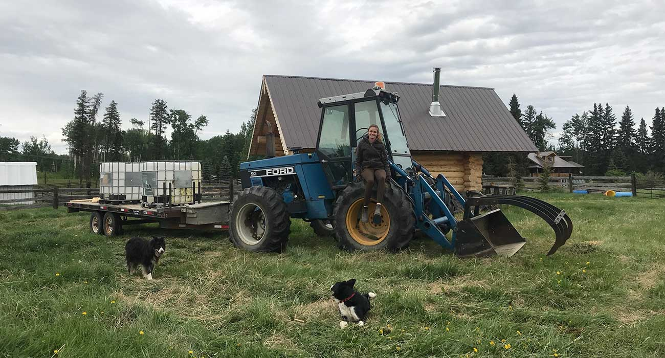 Traktor vor Farm Cottage